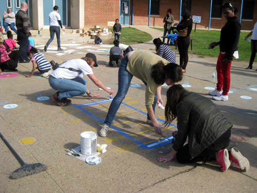 Teachers and Architects Draw Sundials for Baltimore Schools